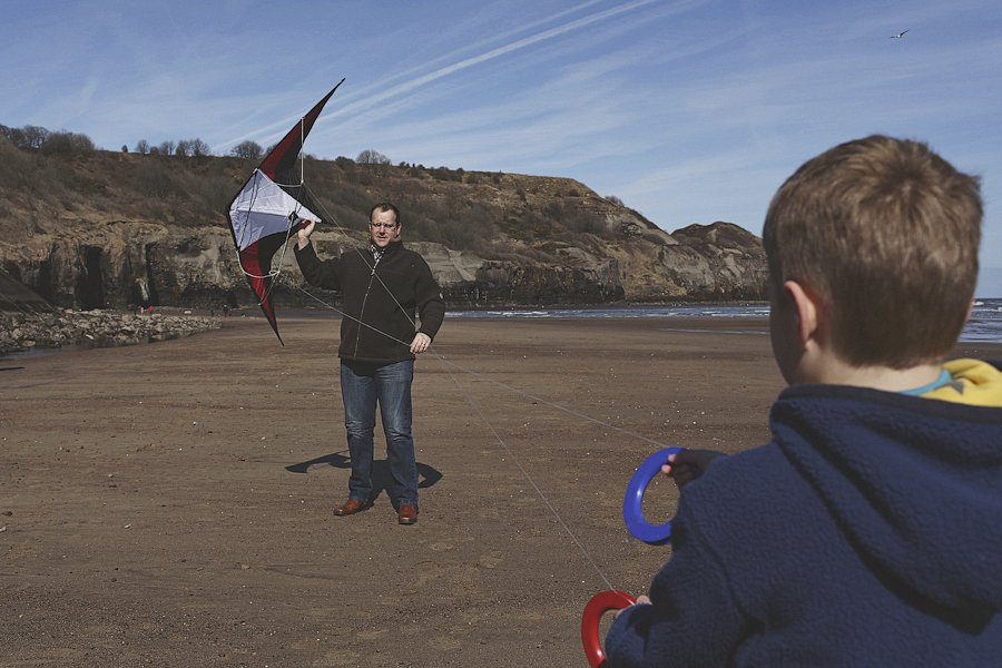 Sandsend-beach-portraits-family-6