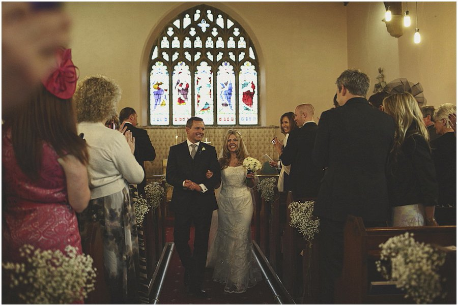 Departure-of-the-bride-and-groom