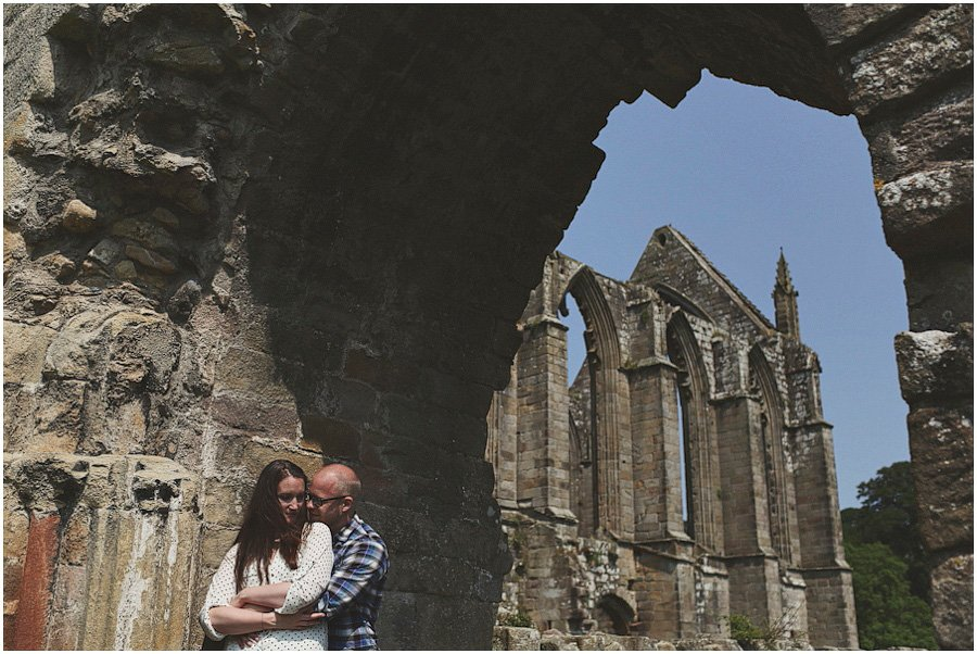 Bolton-Abbey-Engagement-Shoot_0015