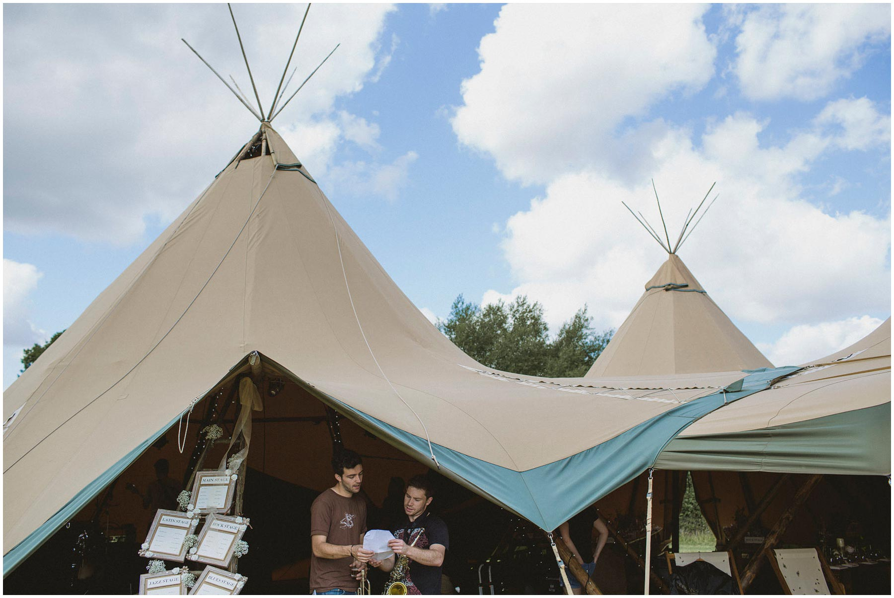 Kent-Festival-Tipi-wedding-photography_0009