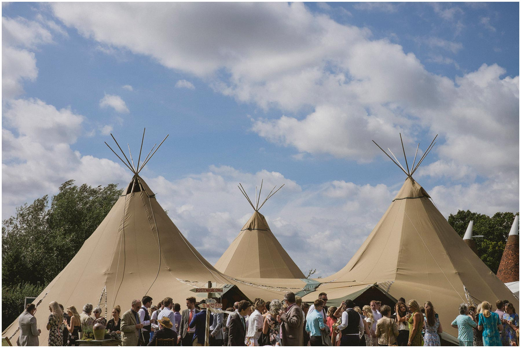 Kent-Festival-Tipi-wedding-photography_0094