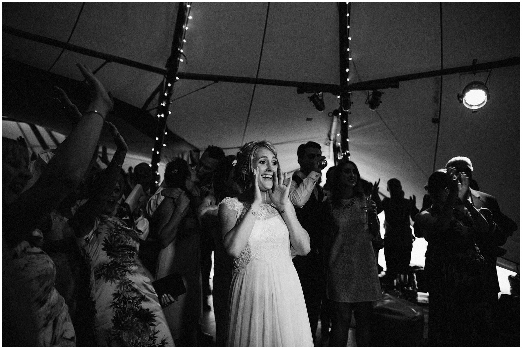 Kent-Festival-Tipi-wedding-photography_0171