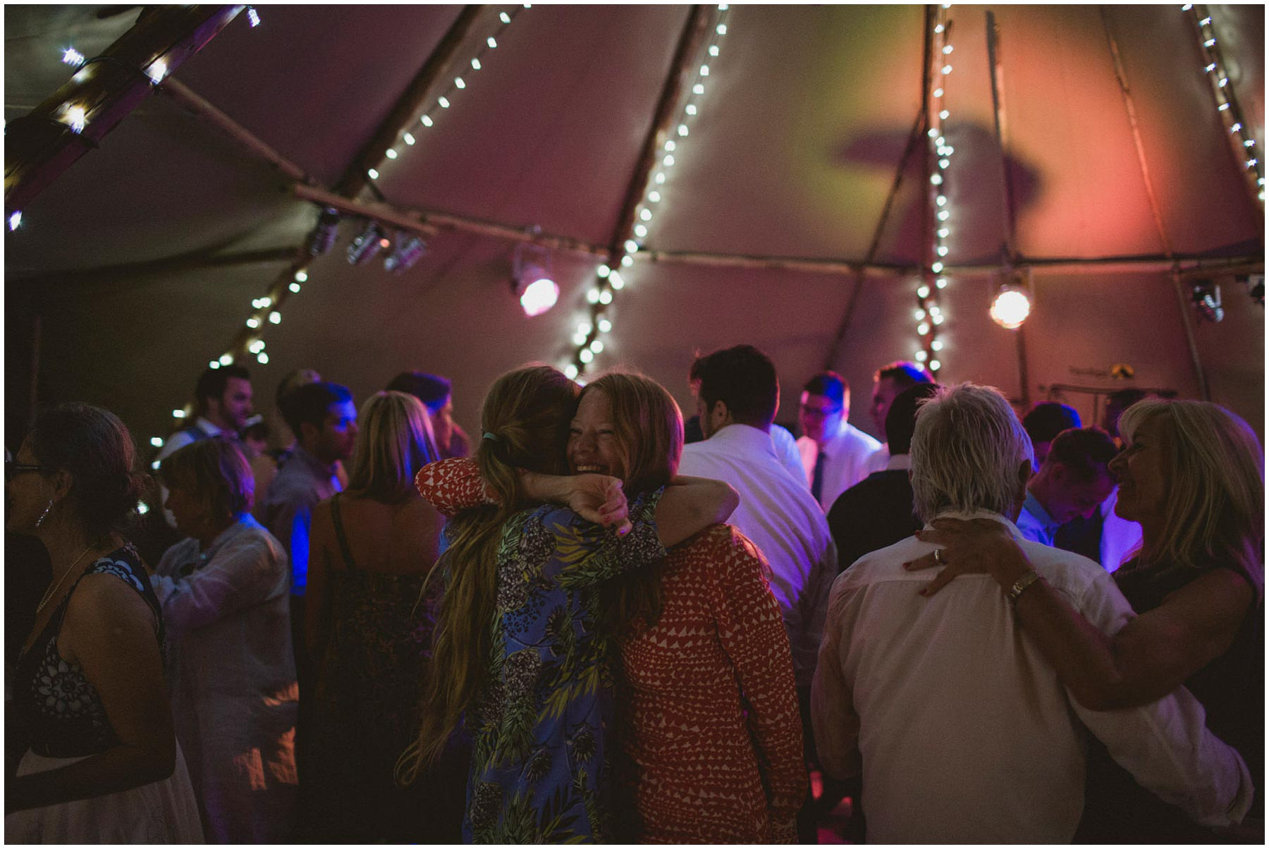 Kent-Festival-Tipi-wedding-photography_0202