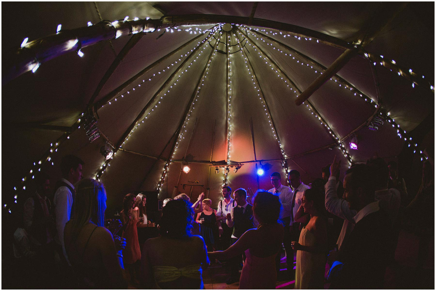 Kent-Festival-Tipi-wedding-photography_0208