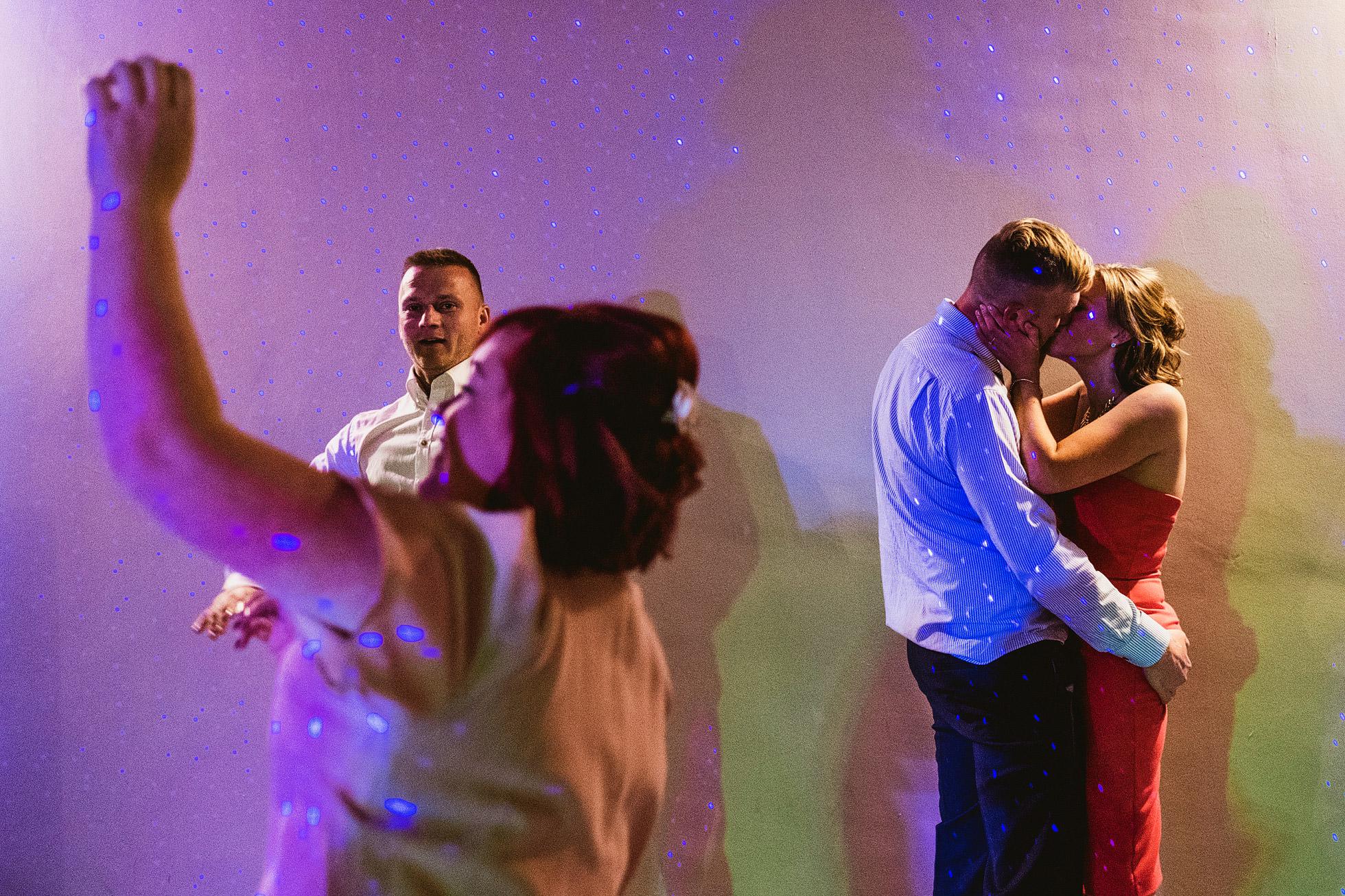 alternative documentary wedding photographer