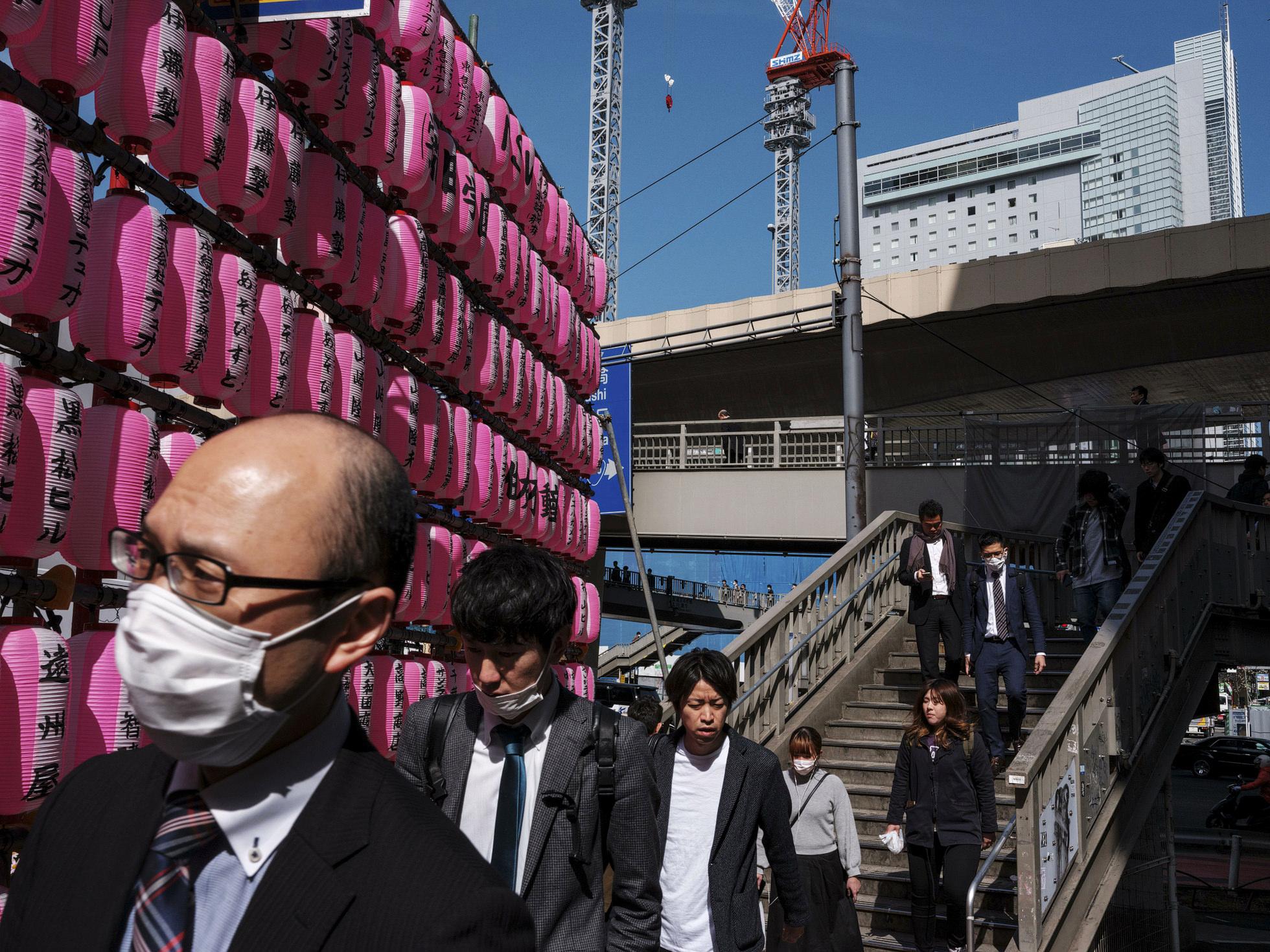 12 Japan Street Photography with Fujifilm GFX