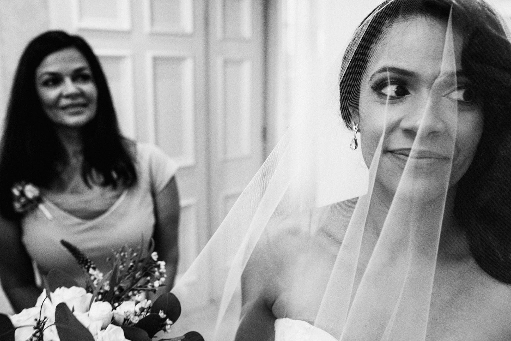 bride in veil, Hedsor House